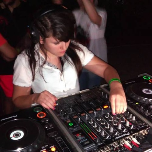 DJ Milena's avatar