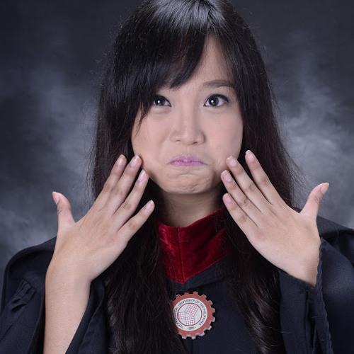 Divina Gagui's avatar