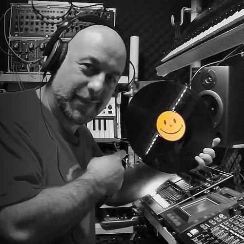 Q'pnZ Techno ProductionZ's avatar