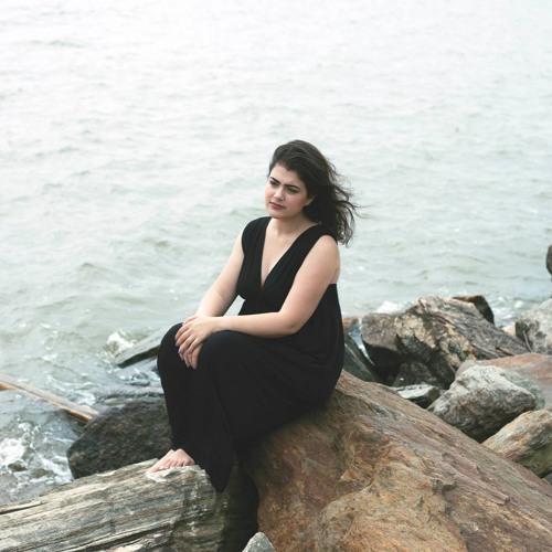 Roslyn Erica's avatar