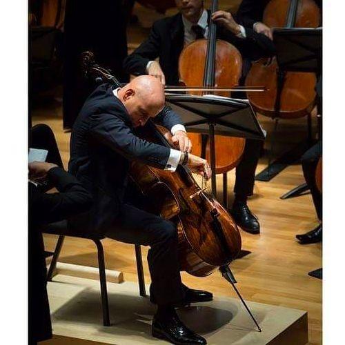 Cellist Robert deMaine's avatar