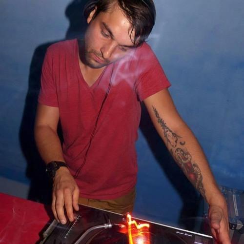 VICECITY-DJ's avatar