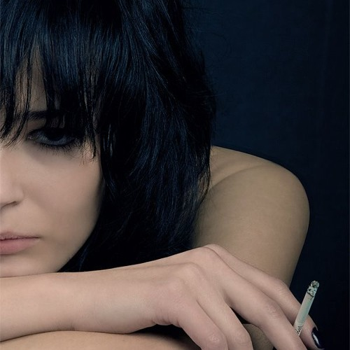 Nina More's avatar