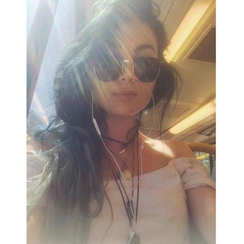 Sabrina Mckenzie's avatar