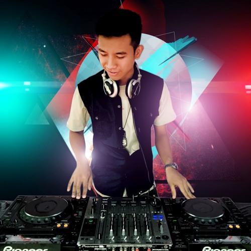 DJ Jayme Phyo's avatar