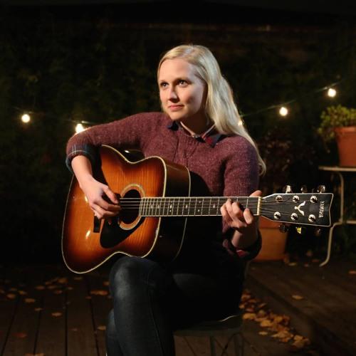 Juliana Lustenader's avatar