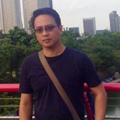 Rexis C Senior's avatar