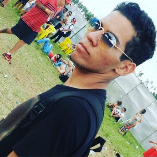 Queiroixx's avatar