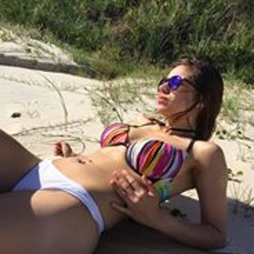 Valeria Sanchez's avatar