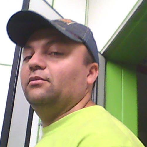 Lucio Almeida's avatar