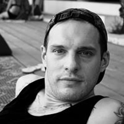 Daniel Pommes's avatar
