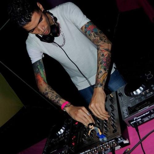 Leandro Fernandes 6's avatar