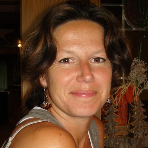 Charlotte Ricard's avatar