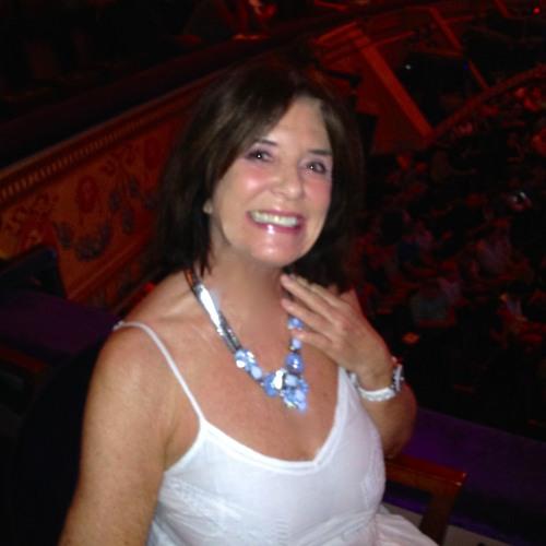 Lynne Oliver's avatar
