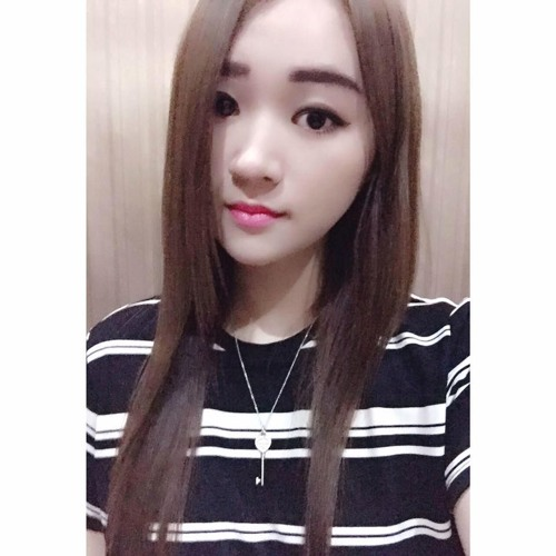 Angela Pong's avatar