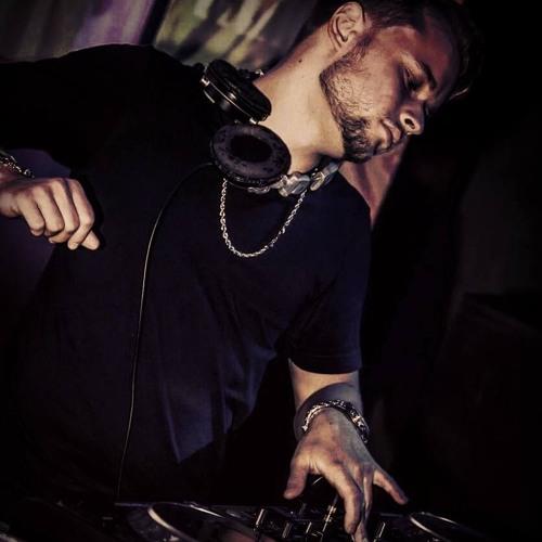 Arni Le'Beat's avatar