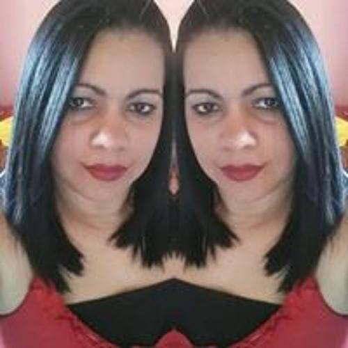 Luceila Santos's avatar