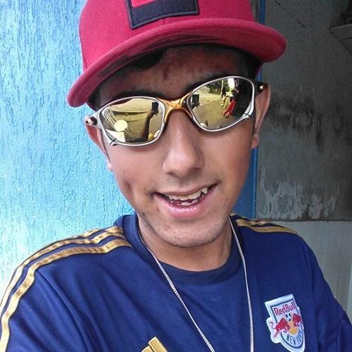 Lucas Robenwood's avatar
