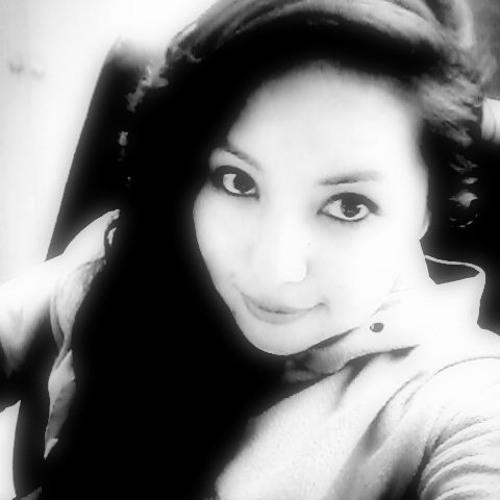 Lucely Mamani's avatar