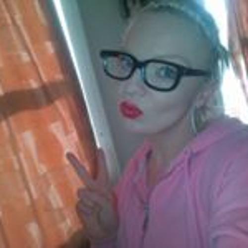Caron Eskdale's avatar
