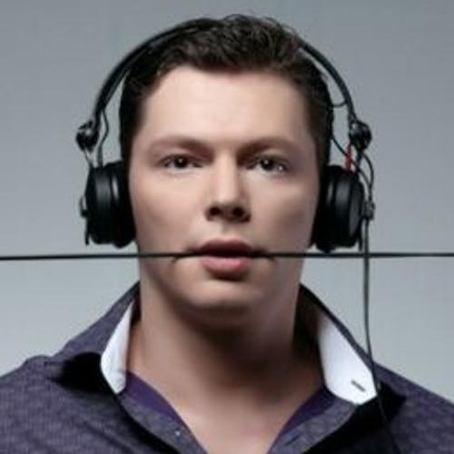 Nick Wowk's avatar