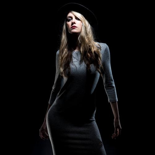 Arya Dnb's avatar