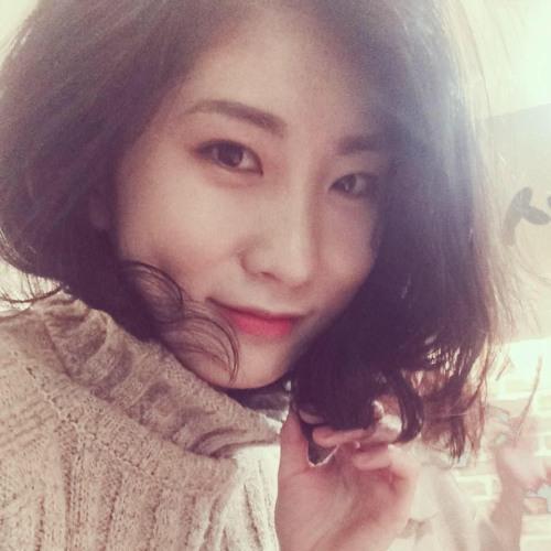 Ji Eun Kelly Kim's avatar