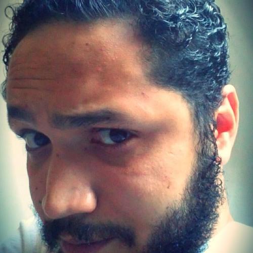 Brenno P Machado's avatar
