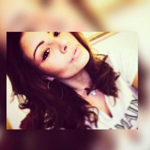 DanielleKG.'s avatar