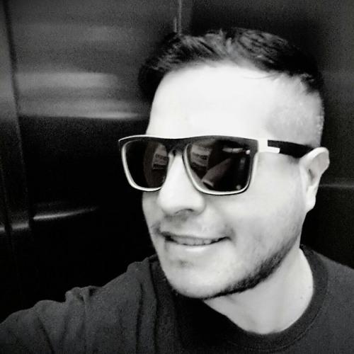 R.Zz's avatar