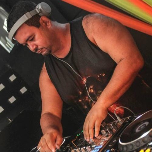 DJ Hendersonvip's avatar