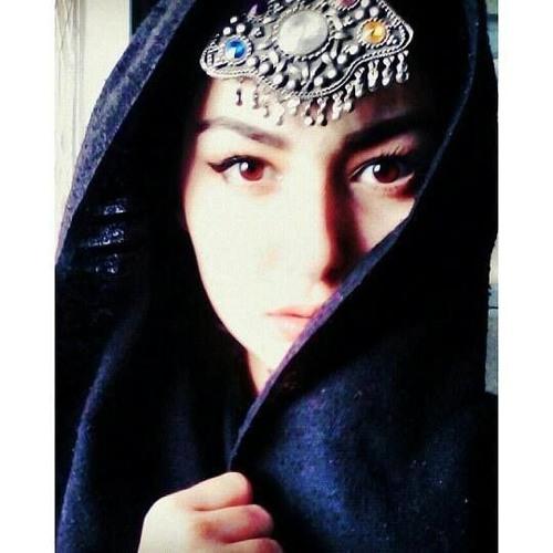Hania Aamir's avatar