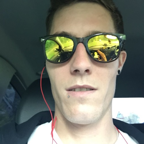 Daniel Gresch's avatar