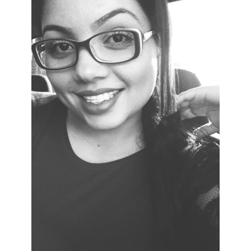 Ludmila Oliveira's avatar