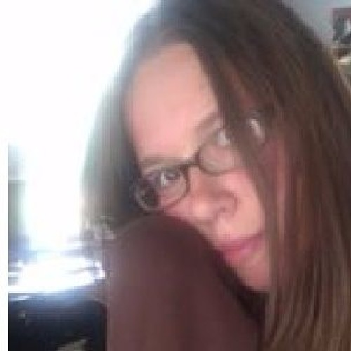 Chloe Mandell's avatar
