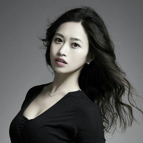 Hannah Hanbiel Choi's avatar