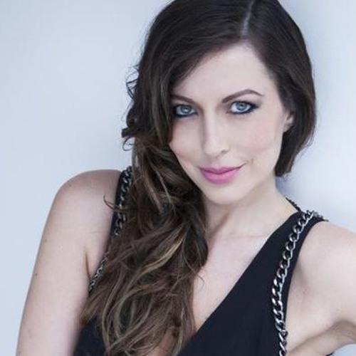 Paula Gomes's avatar