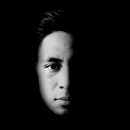 Luis Bendober's avatar