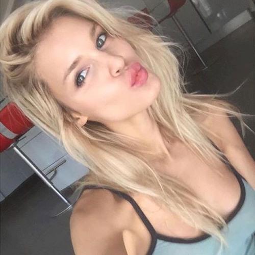 Vanessa's avatar