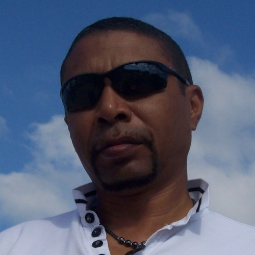 Louis-Clarke's avatar