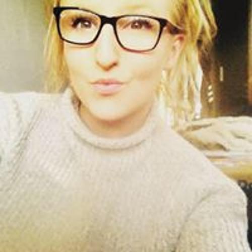 Lauren Reeves's avatar