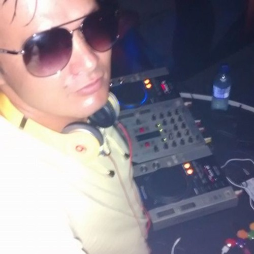 DJ Warlen's avatar