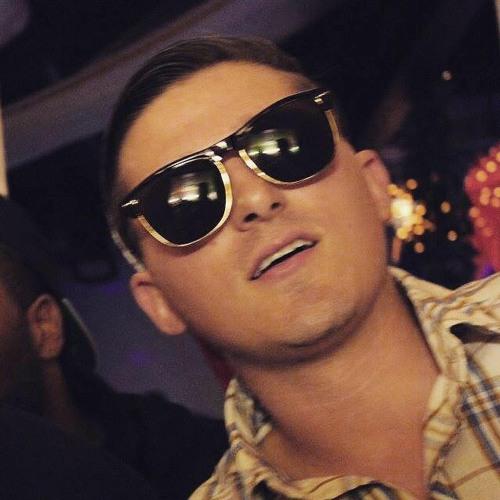 DJ Revamp's avatar