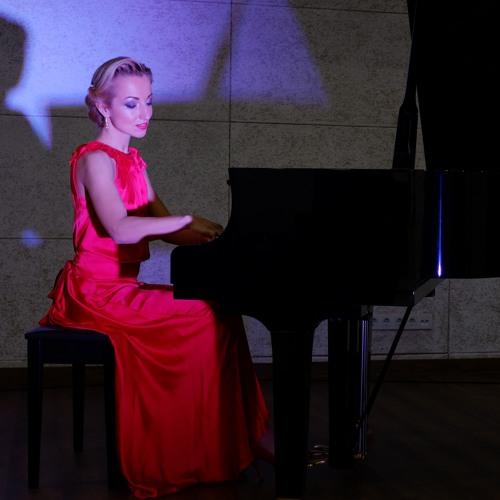 Liliana Benker's avatar