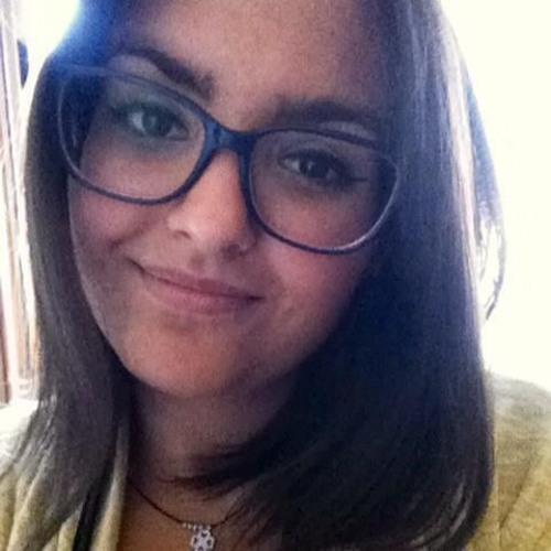 Adriana Gil's avatar