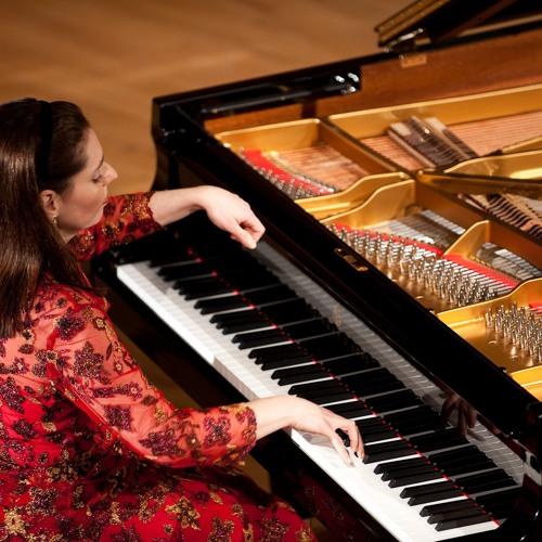 Clelia Iruzun's avatar
