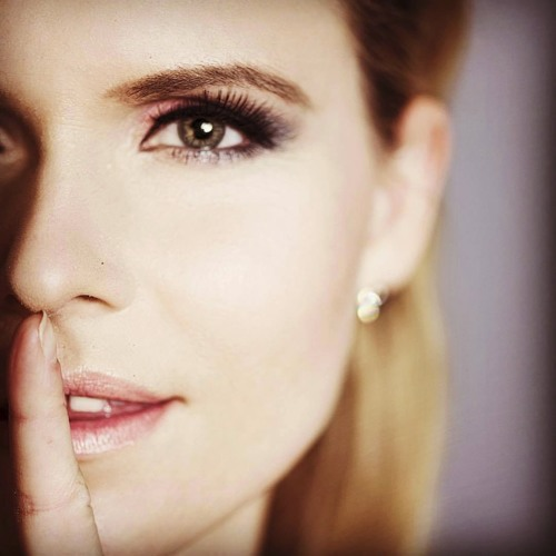 Nicolette-Variety Singer's avatar