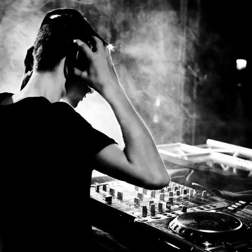 DJ MitchL's avatar