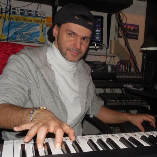 Giuseppe Ensabella (Joe_E.)'s avatar