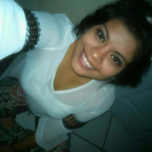 Nicole Oliva's avatar